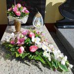 Stroiki Wielkanocne na cmentarz, Wielkanocne kompozycje kwiatowe